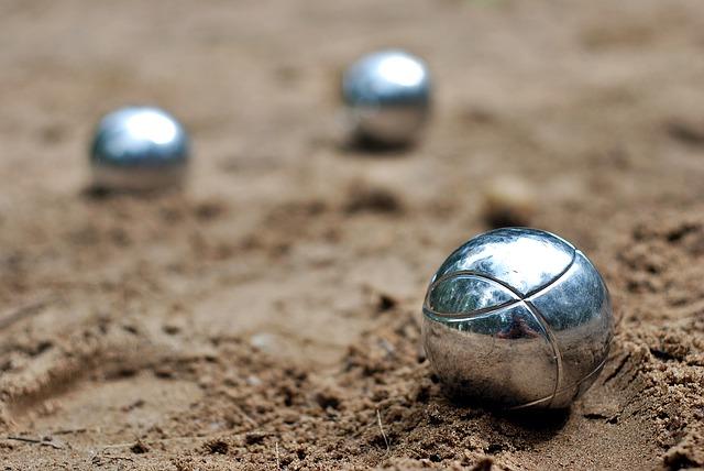 boule-kugeln-sand-ziel