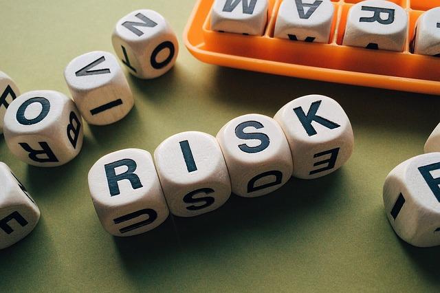 würfel-risiko-buchstaben